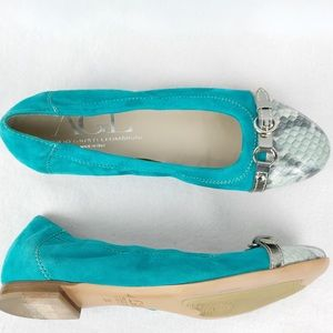 AGL   Women's Turquoise Snakeskin Leather Flats 38